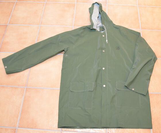 Behr Regenbekleidung Jacken & Hosen einzeln div. Größen / kleine Fehler