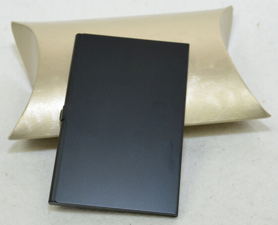 Alu Visitenkartenetui / Etui schwarz für ca. 12 Karten inkl. Geschenketui