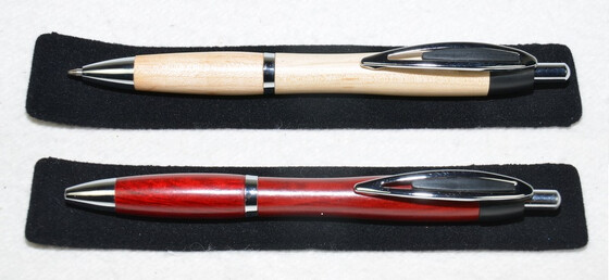 Holzkugelschreiber 2er Set hell & dunkel inkl. Geschenketuis