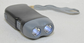 Dynamo LED Taschenlampe mit 2 Power LEDs