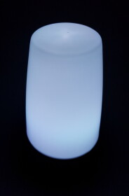 LED Tischleuchte mit 1 LED und automatischem Farbwechsel / Batteriebetrieb