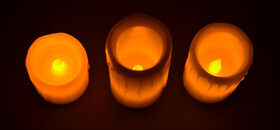 LED Echtwachskerzen mit Flackereffekt im 3er Set komplett mit Batterien