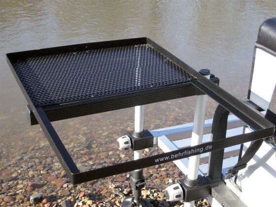 Behr Beistelltisch 1 mit Einsatz für Futterwanne für Sitzkiepen mit 25mm Füßen