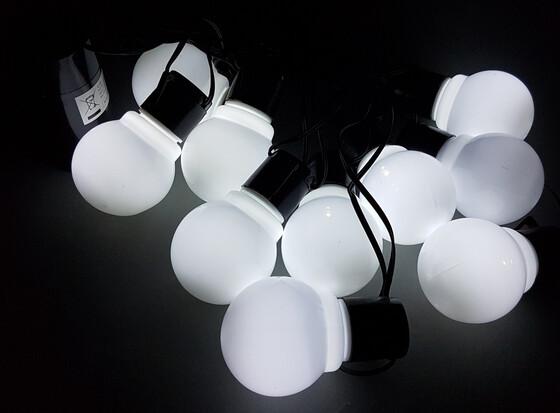 LED Party Lichterkette weiß mit 10 LEDs 6 Meter Länge batteriebetrieben