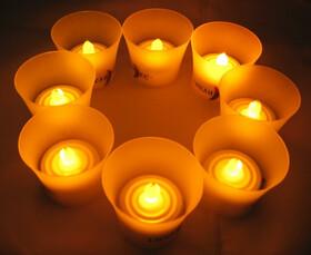 8er Set LED-Teelichter mit Gläsern f. 50 Std. Romantik