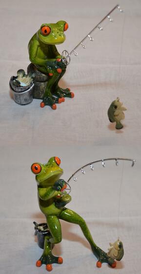 Frosch als Angler mit Rute Fisch und Eimer ca. 16cm in zwei Versionen