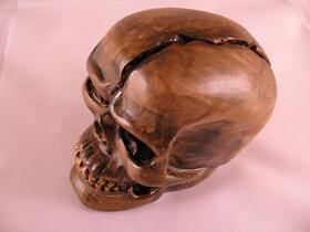 Totenkopfschädel mit blauer Flacker-LED