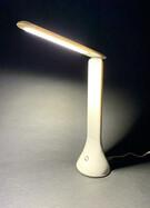 Faltbare LED Tischleuchte weiß mit Touch-Funktion und 3 Stufen, USB oder Batteriebetrieb